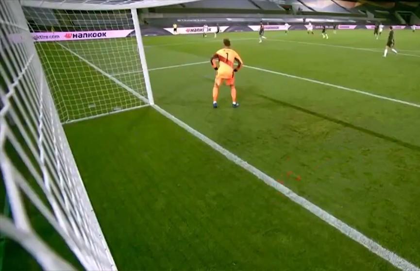 Испанская «Севилья» стала первым финалистом футбольной Лиги Европы