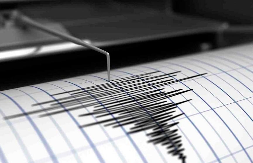 В Индонезии произошло мощное землетрясение. Жителей предупреждают об угрозе цунами