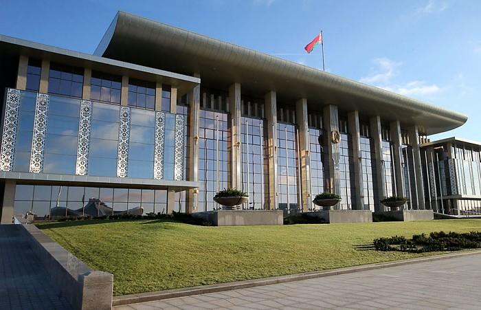 Александр Лукашенко объявил выговор губернаторам Витебской и Могилёвской областей за несвоевременную выплату зарплат