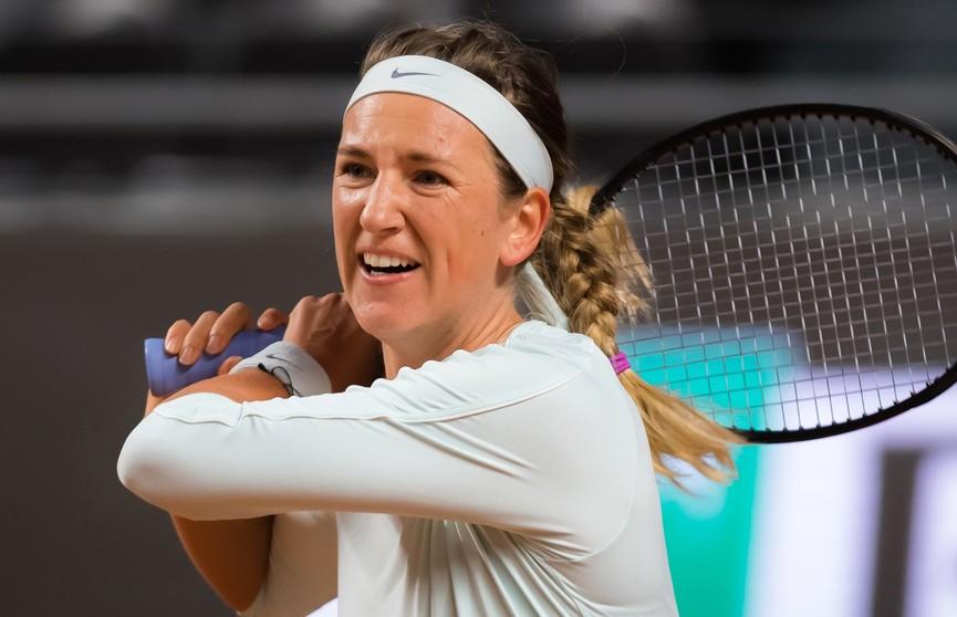 Азаренко и Барти вышли в четвертьфинал теннисного турнира в Торонто