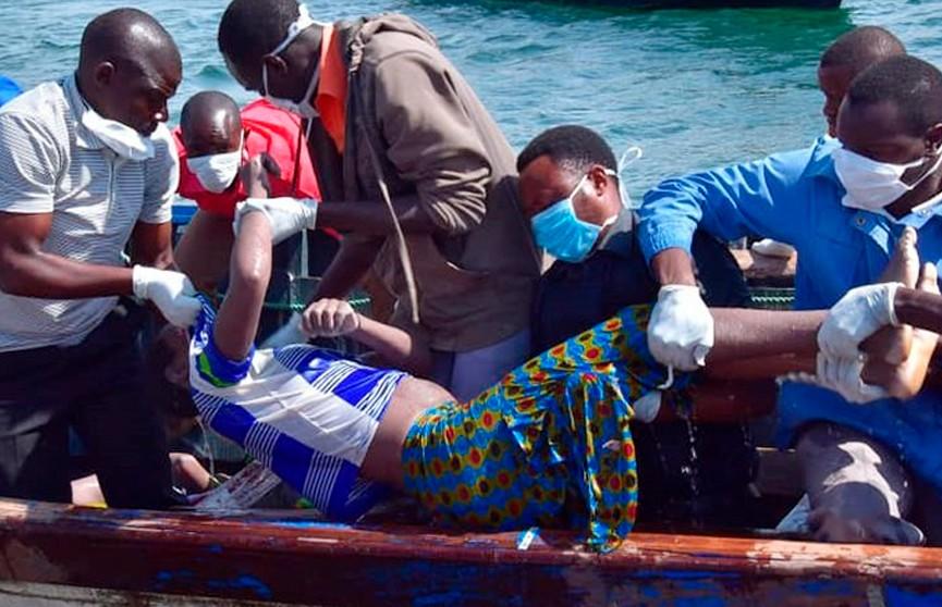 В Уганде перевернулась яхта: погибли десятки человек