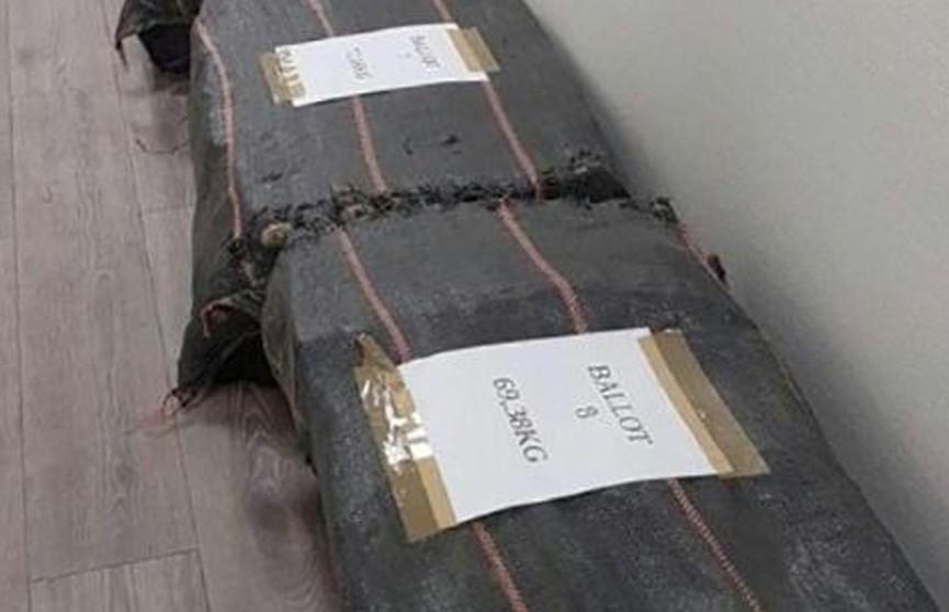 Французские таможенники изъяли более тонны кокаина