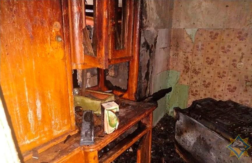 Три человека спасены при пожаре в квартире в Бресте