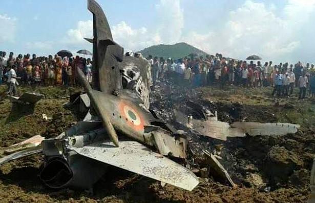 Индийские военные сбили пакистанский истребитель