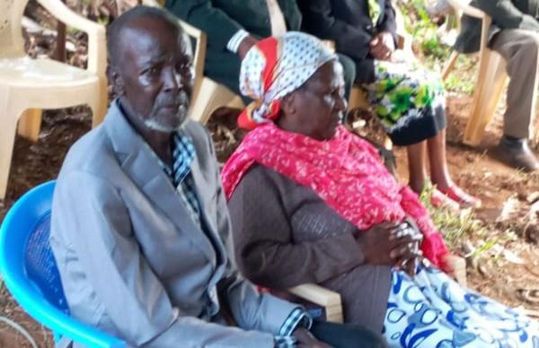 Бросивший жену и 6 детей мужчина вернулся в семью спустя 51 год