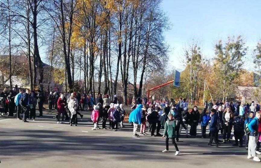 В одной из школ Гродно в электропроводке произошло короткое замыкание. Детей эвакуировали