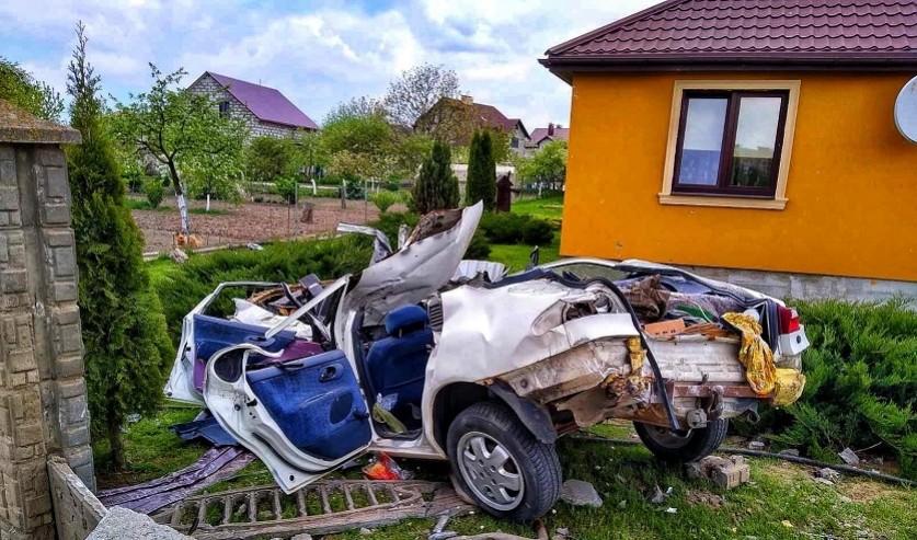 Страшная авария в Гродно: пьяный парень на скорости 150 км/ч врезался в бетонное ограждение