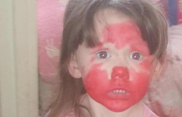 Девушка увидела последствия игр своей дочери и едва не поседела (ФОТО)