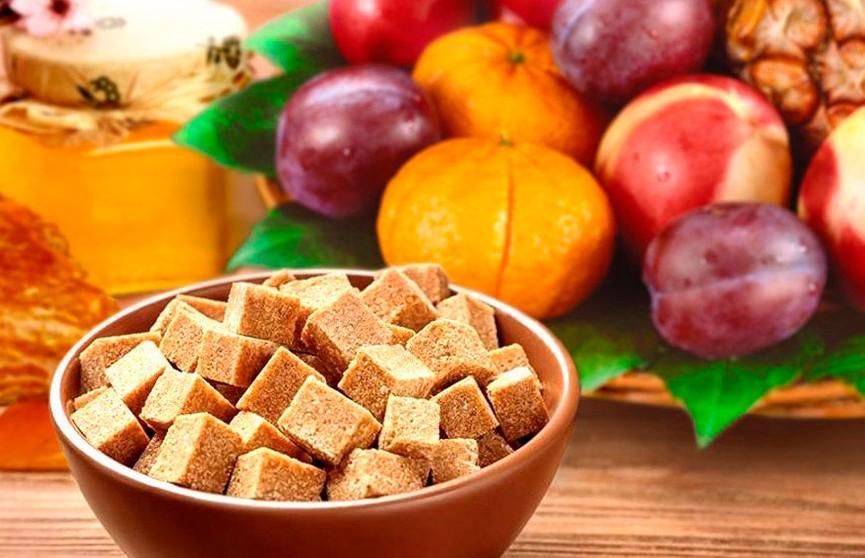 Фруктозу признали наиболее опасным видом сахара