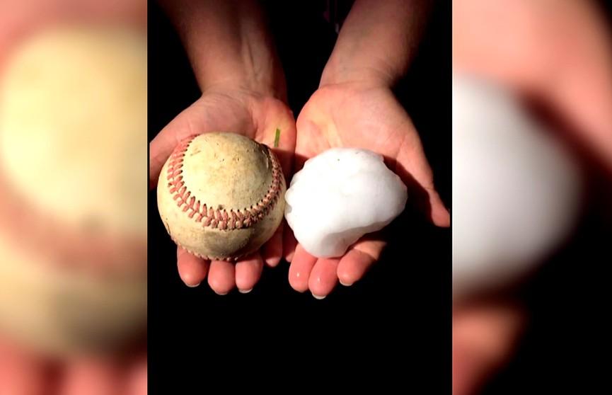 Град размером с бейсбольный мяч выпал в США
