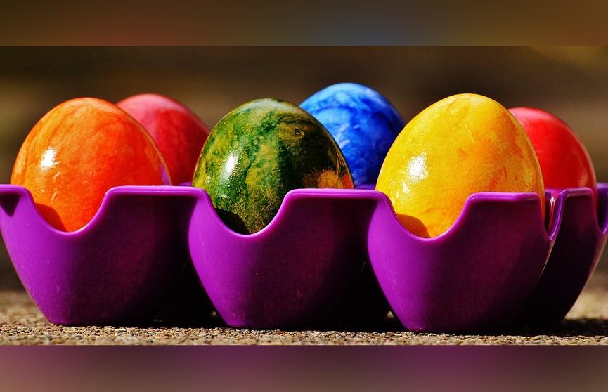 5 необычных и простых способов покрасить яйца на Пасху. Как вам 4-й номер?