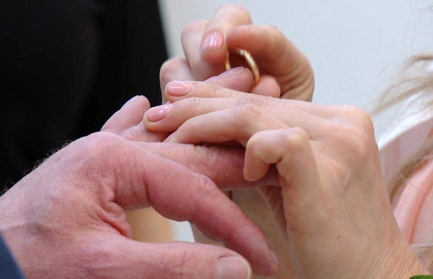 В День святого Валентина в Минске поженились более 120 пар