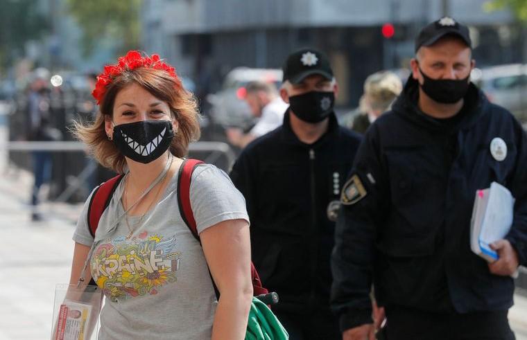 Карантинные меры продолжают смягчать: второй этап стартует в Украине