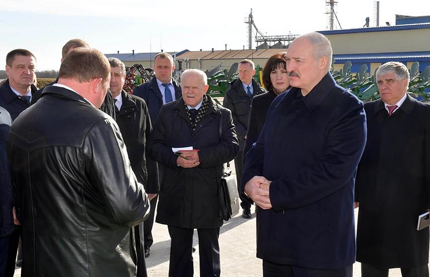 «Не можете – уходите!» Александр Лукашенко ждёт от чиновников новых идей по развитию сельхозпредприятий