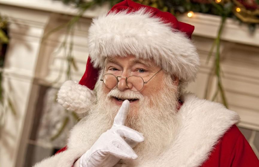 Канадская газета пригласила жителей города на рождественскую фотосессию с сатаной