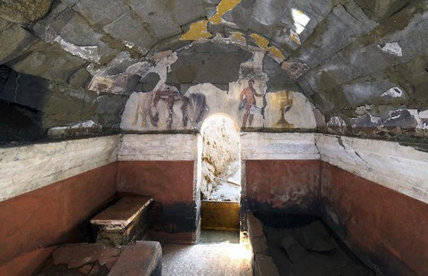 Гробницу II века до нашей эры обнаружили учёные на юге Италии