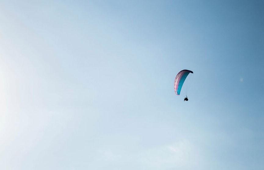 Катапультировавшийся пилот провисел на проводах под напряжением 250 вольт более двух часов