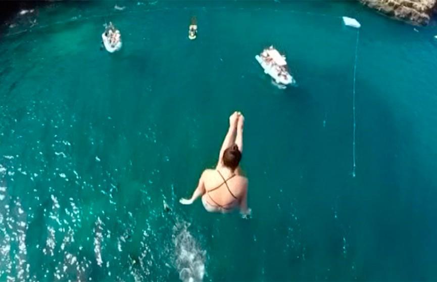 Финал мировой серии по клифф-дайвингу (прыжки с 27-метровой вышки) завершился в Италии
