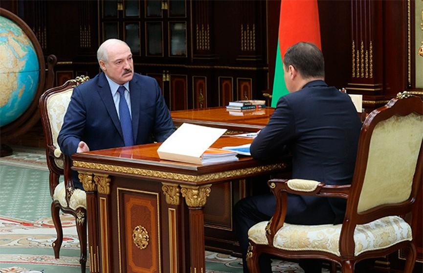 Лукашенко принял с докладом премьер-министра Головченко