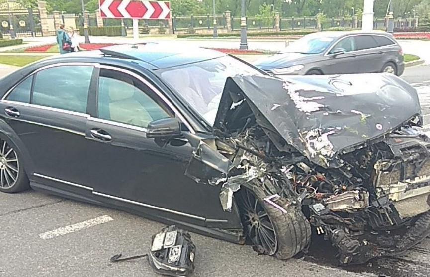 Женщина-пассажир пострадала при столкновении легковушки с автобусом в Минске