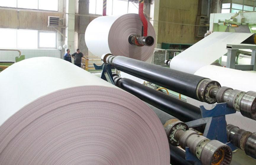 Лукашенко сегодня посещает завод газетной бумаги в Шклове