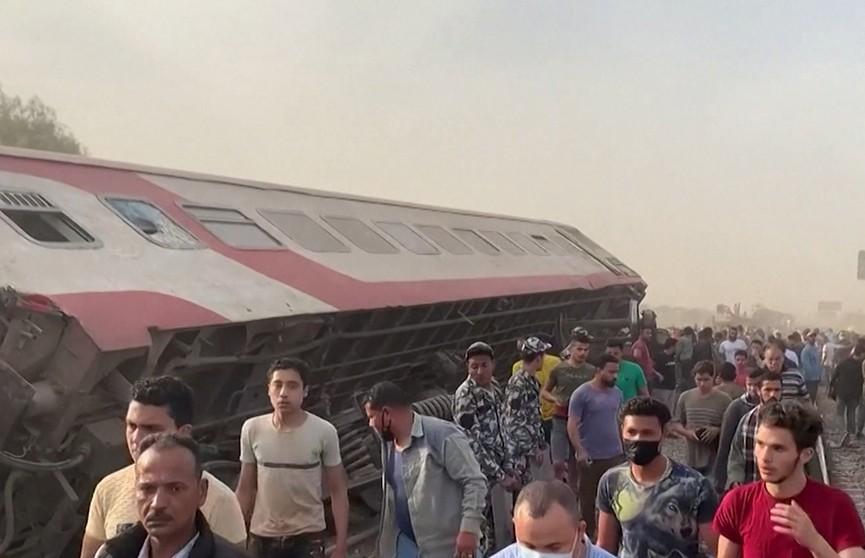 В Египте поезд сошел с рельсов – 11 человек погибли
