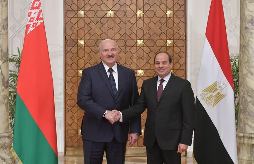 Александр Лукашенко провел в Каире переговоры с президентом Египта