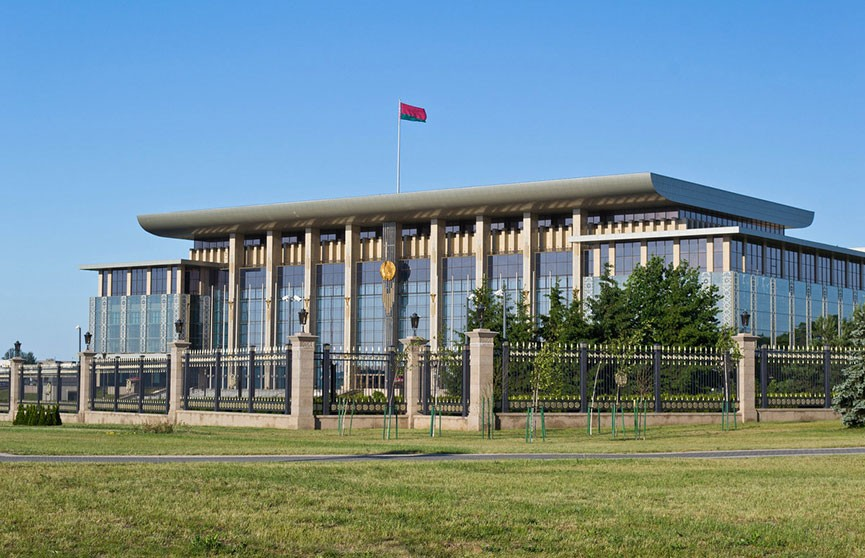 Лукашенко подписал закон об упрощении условий пребывания иностранцев в Беларуси