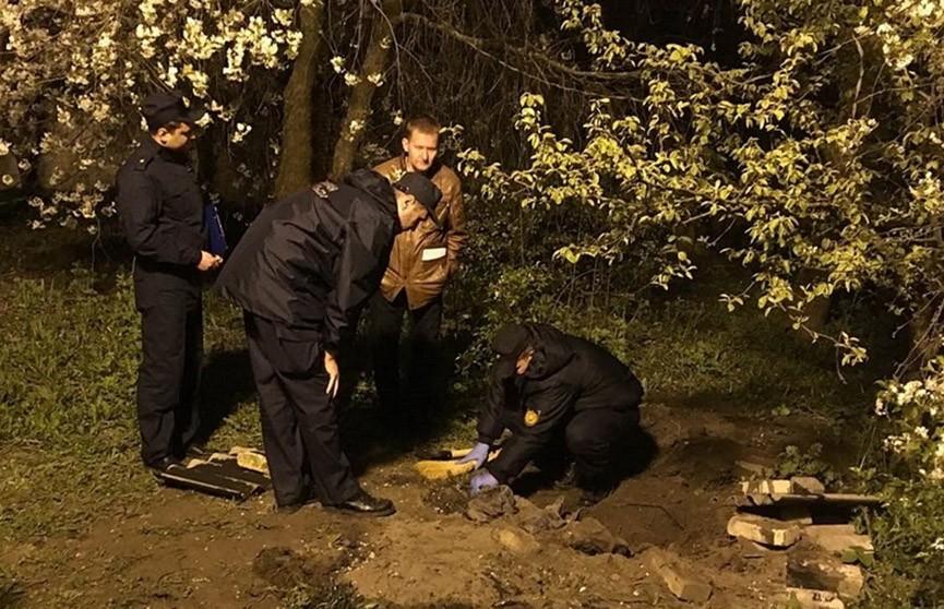 Тело мужчины нашли во дворе частного дома в Гродно