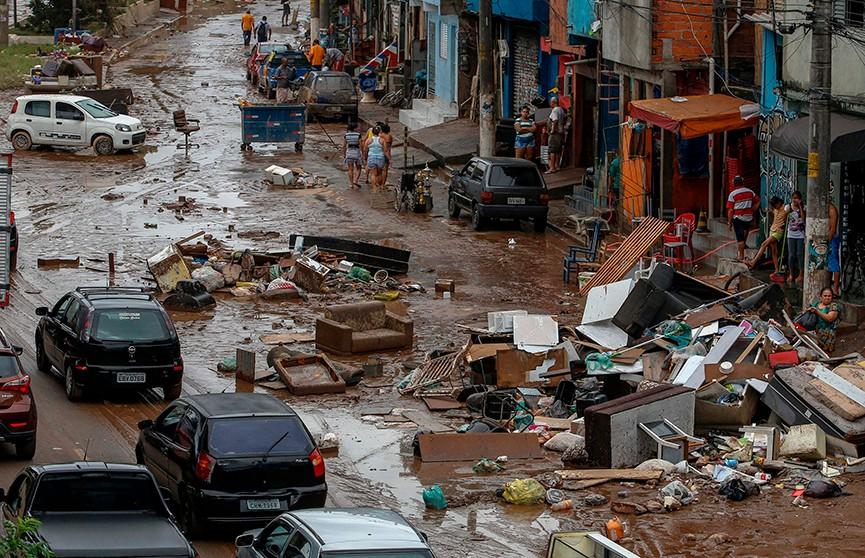 Наводнение в Бразилии: более 40 человек стали жертвами