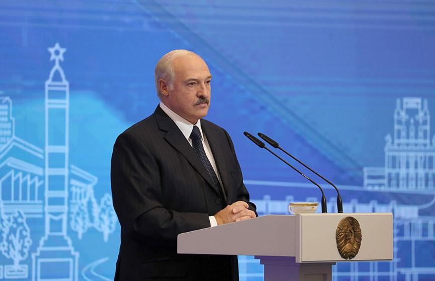 Лукашенко о коронавирусе: Надо потихонечку уйти от этой беды и не допустить повторной эпидемии
