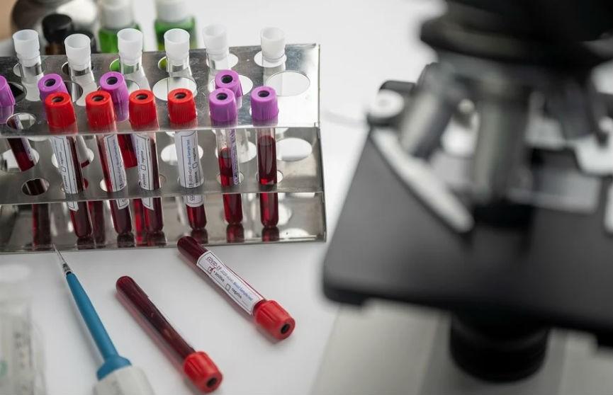 В Греции врач оказался под ИВЛ после вакцины Pfizer