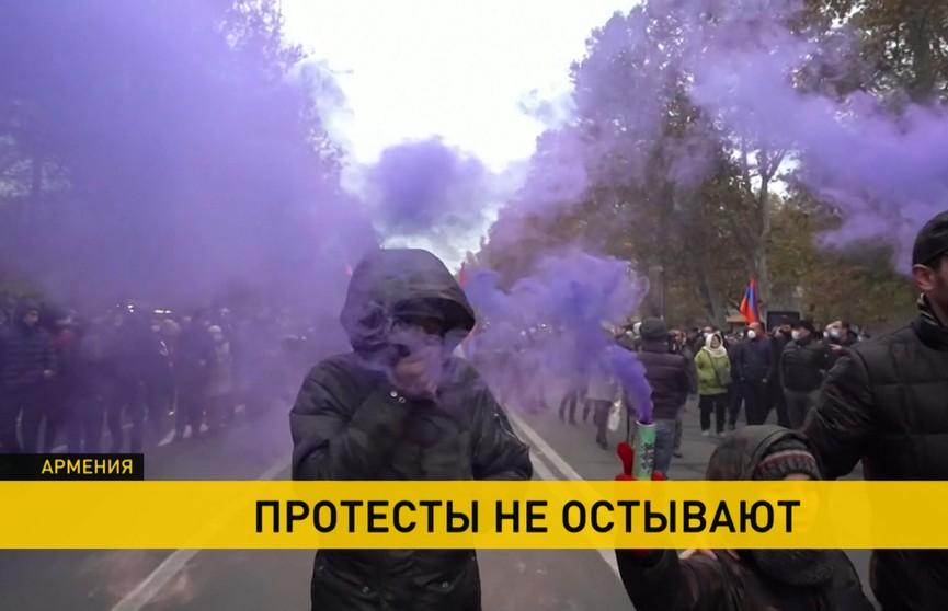 Беспорядки в Армении, Чили и Албании продолжаются: полиция проводит массовые задержания