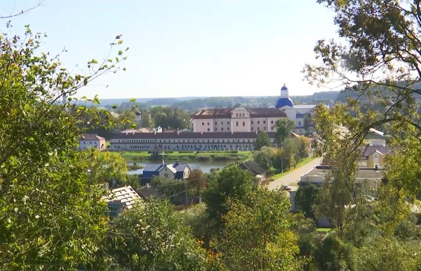 Памятный камень заложили на месте строительства новой колокольни в Жировичском монастыре
