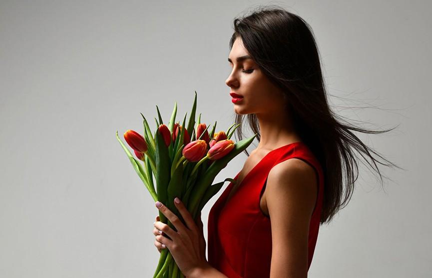 Букет на 8 марта: как не ошибиться при выборе цветов и порадовать любимых женщин?
