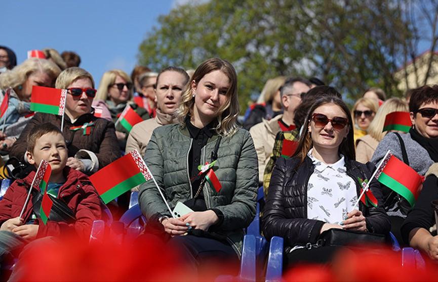 Лукашенко: белорусам нужно еще больше сплотиться для сохранения Беларуси и ее независимости