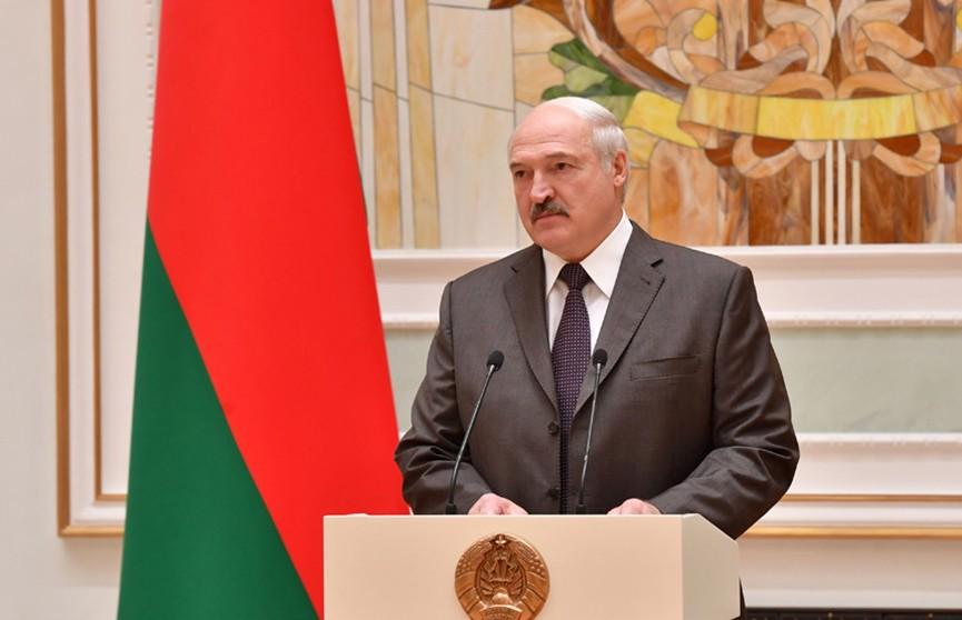 Лукашенко вручил государственные награды военнослужащим Службы безопасности Президента