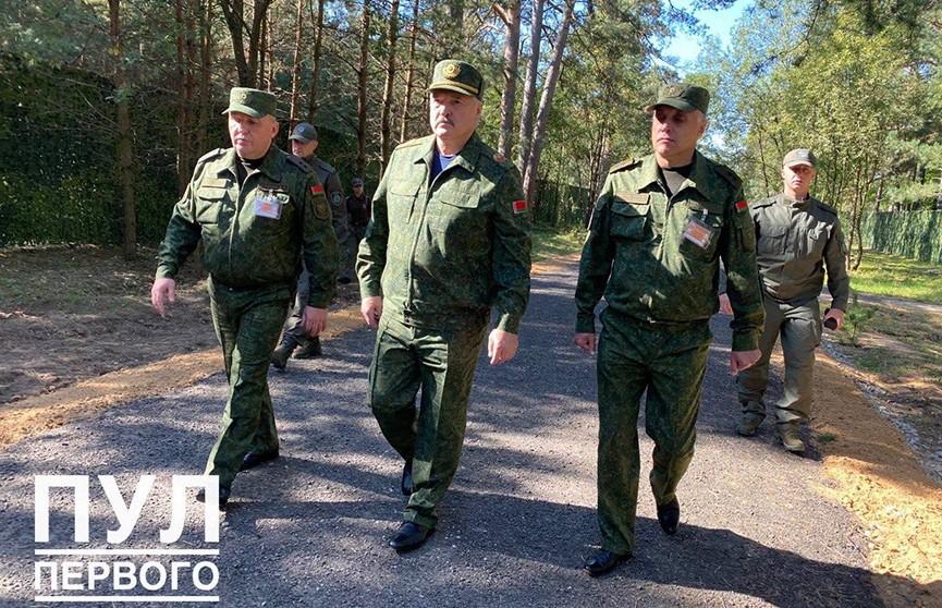 Лукашенко принимает участие в белорусско-российском учении «Запад-2021»