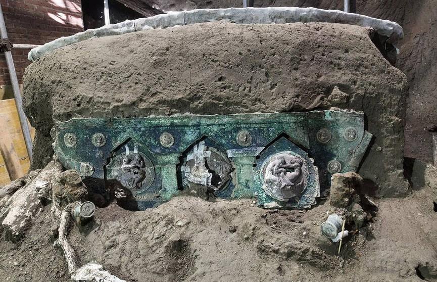 В Италии нашли хорошо сохранившуюся римскую колесницу