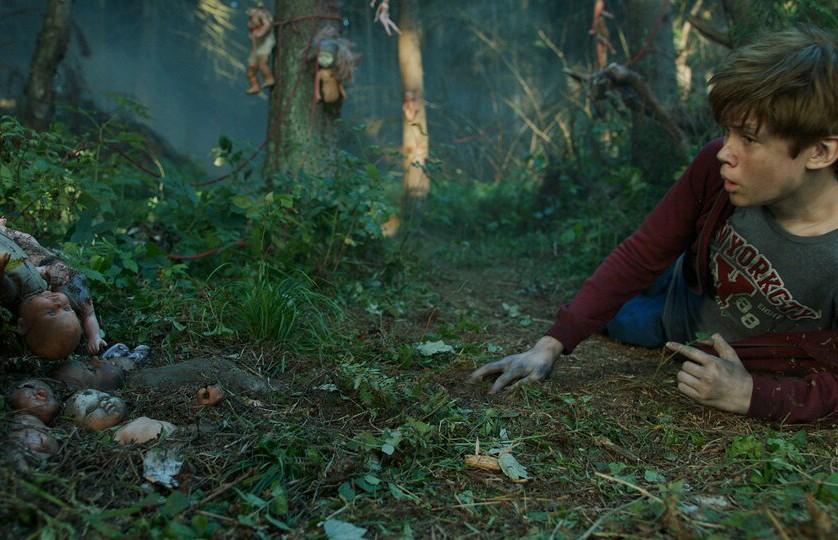 Вышел трейлер к леденящему фильму ужасов «Яга. Кошмар тёмного леса»
