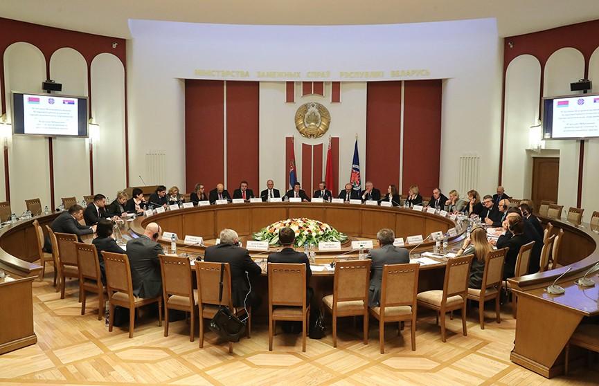 Беларусь готова поставлять в Сербию автобусы и запустить совместное производство пожарных машин