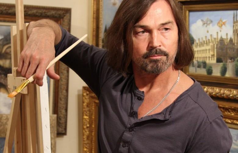 Более 200 картин Никаса Сафронова пострадали из-за потопа в квартире