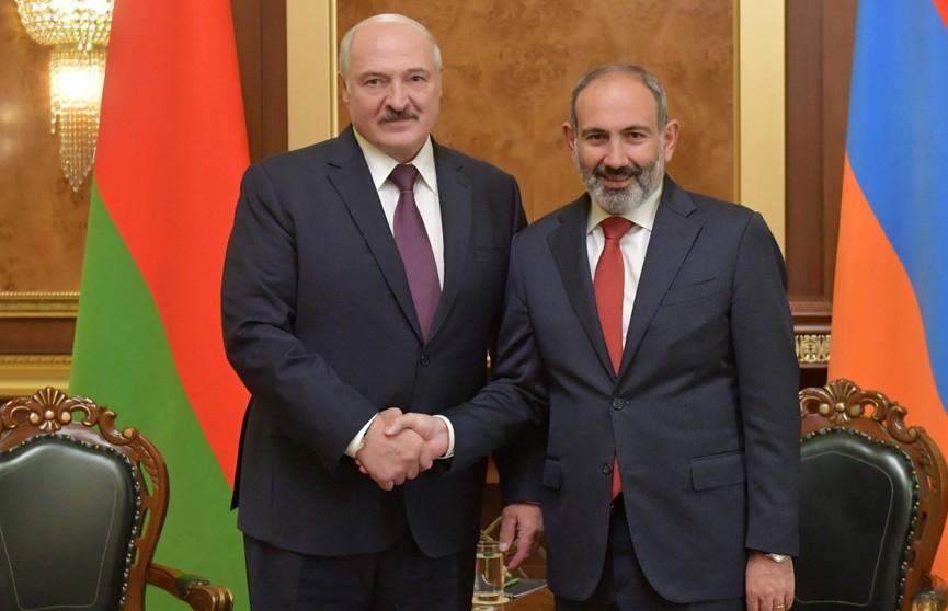 Лукашенко и Пашинян обсудили цены на углеводороды, возможность встречи лидеров ЕАЭС и ситуацию с вирусами