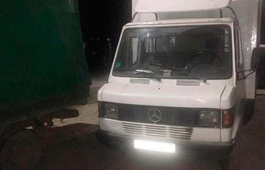 Два школьника пытались угнать микроавтобус в Борисове