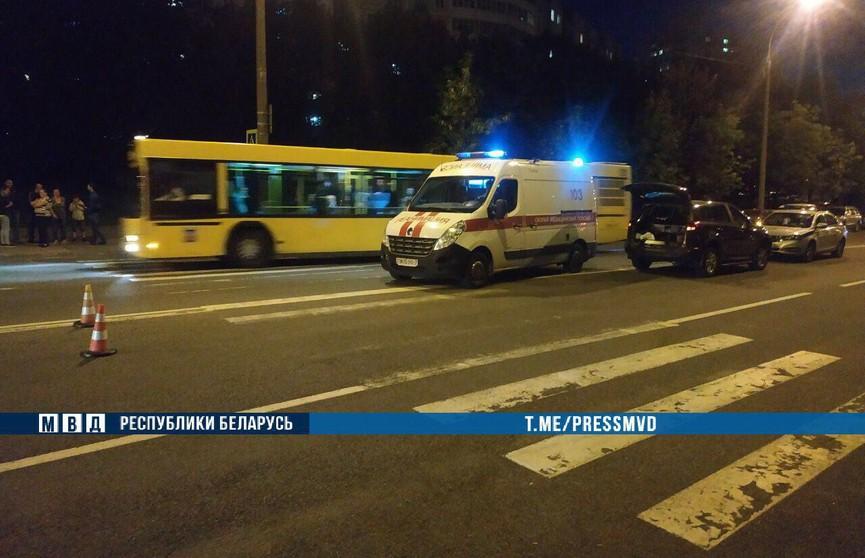 Девушка сбила двух пешеходов на переходе в Минске