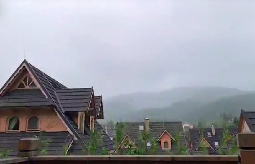 Молния попала в туристов в польских Татрах: один человек погиб