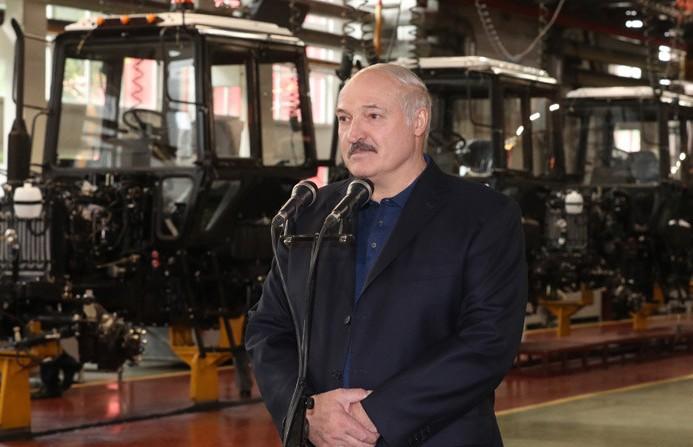Лукашенко о приватизации: Как мы можем взять это и продать? Во имя чего, зачем?