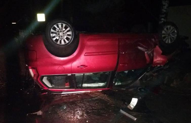 Легковушка с пятью людьми опрокинулась в Браславе: водитель был пьян и без прав