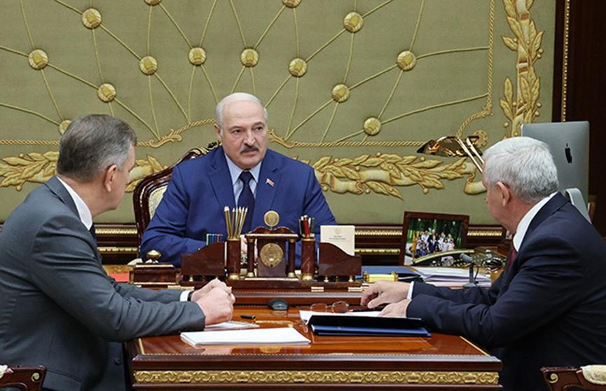 Держать планку и осваивать новые рынки: Лукашенко заслушал доклад о развитии промышленности
