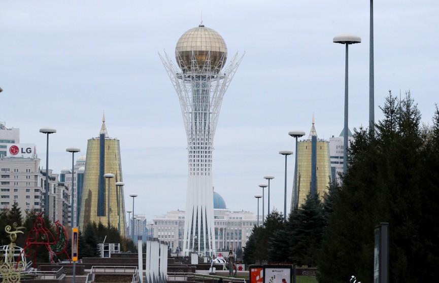 Александр Лукашенко с официальным визитом направился в Казахстан